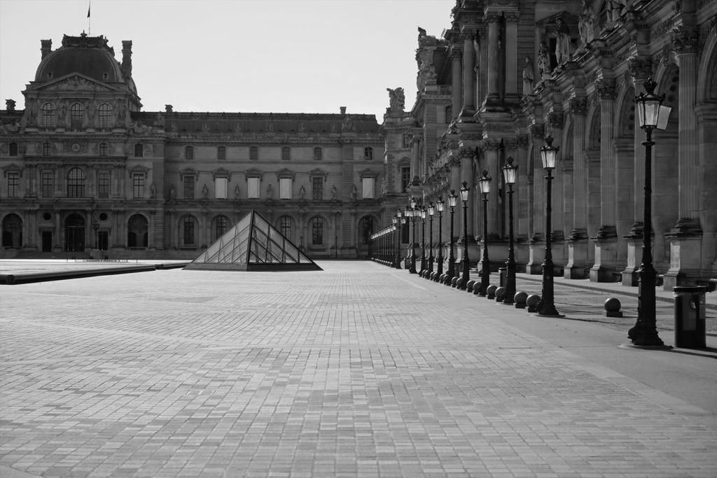 Louvre lockdown