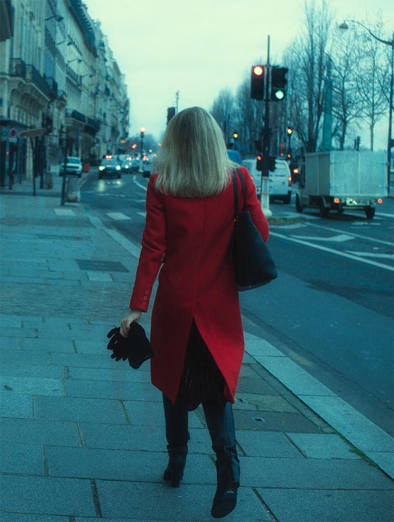 Red wowan Paris